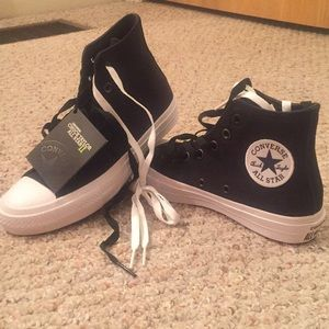 Converse- Chuck Taylor II All Star BRAND NEW